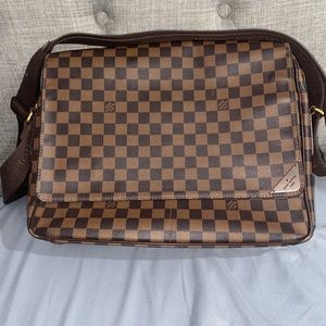 Louis Vuitton Damier Canvas Shelton Messenger Bag